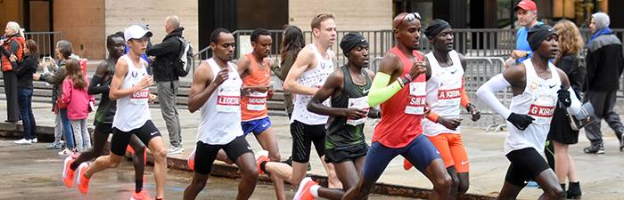Pack of elite runners on course at the 2018 Bank of America Chicago Marathon